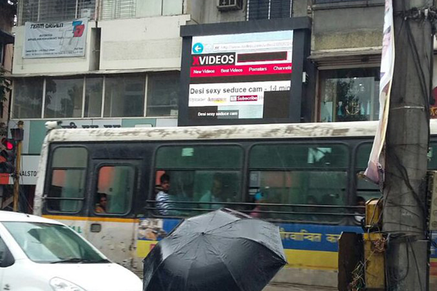 An Ad Screen in a Busy Street in Pune Started Streaming Porn!