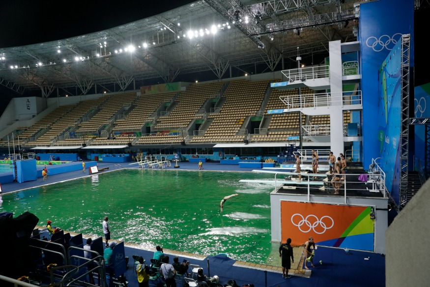 photo maria lenk aquatic centers water turns mysteriously greenap photomatt - Olympic Swimming Pool 2016