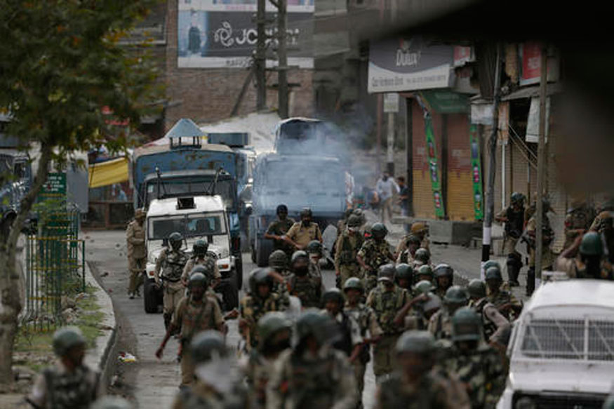 Curfew Continues for 48th Day in Kashmir, Rajnath to Hold Talks With Civil Society Groups