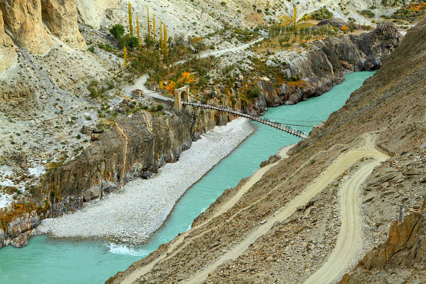Pakistan Approaches World Bank on Indus Waters Treaty Row With India