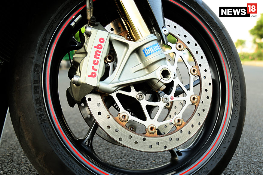 Triumph-Daytona-675R-Brakes-and-Tyres