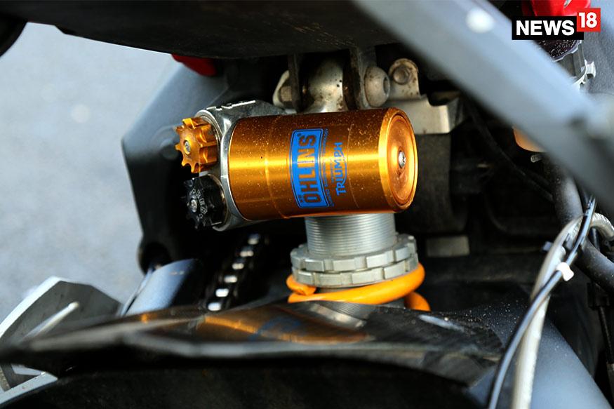 Triumph-Daytona-675R-Ohlins-Suspension