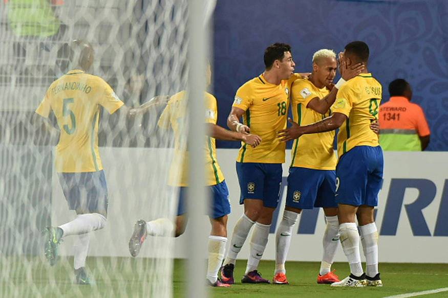 Brazil's Gabriel Jesus (R), Brazil's Neymar (2-R) and Brazil's Giuliano celebrate after scoring against Bolivia during their Russia 2018 World Cup qualifier football match in Natal, Brazil, on October 6, 2016. / AFP / Nelson ALMEIDA        (Photo credit should read NELSON ALMEIDA/AFP/Getty Images)