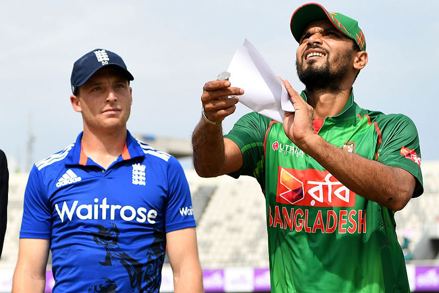 England skipper Jos Buttler and Bangladesh skipper Mashrafe Mortaza during toss at Mirpur (Getty Images)