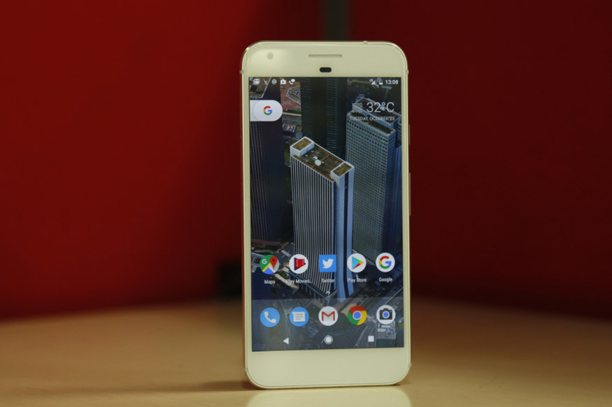 Google Pixel XL Review: The Best Android Smartphone Only if You Don't Want an iPhone 7 Plus