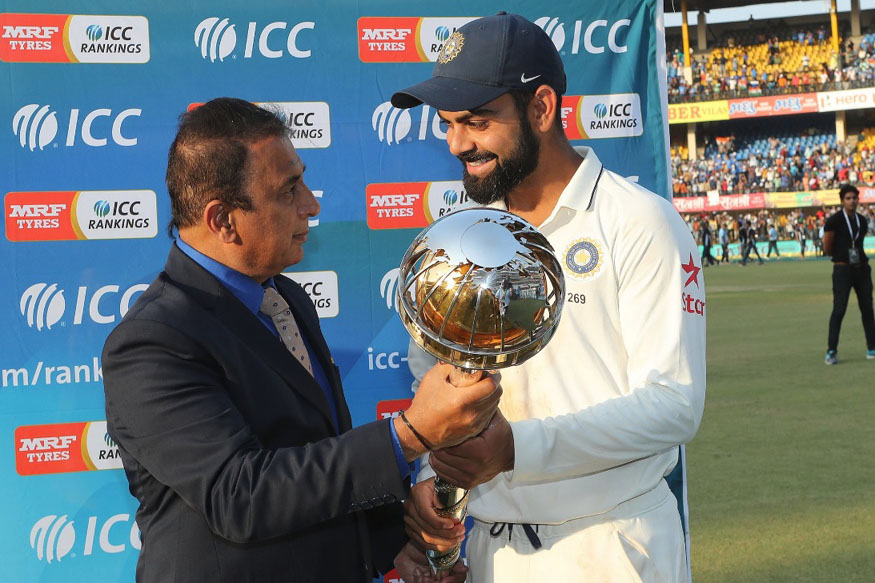 Sunil Gavaskar Presents Virat Kohli with the Test Mace. (ICC)