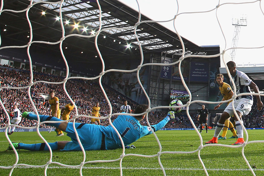 Keeper Hugo Loris of Tottenham Hotspur saves Jose Salomon Rondón of West Bromwich Albion (R) shot during the Premier League match between West Bromwich Albion and Tottenham Hotspur. (Picture Credit: Getty Images)