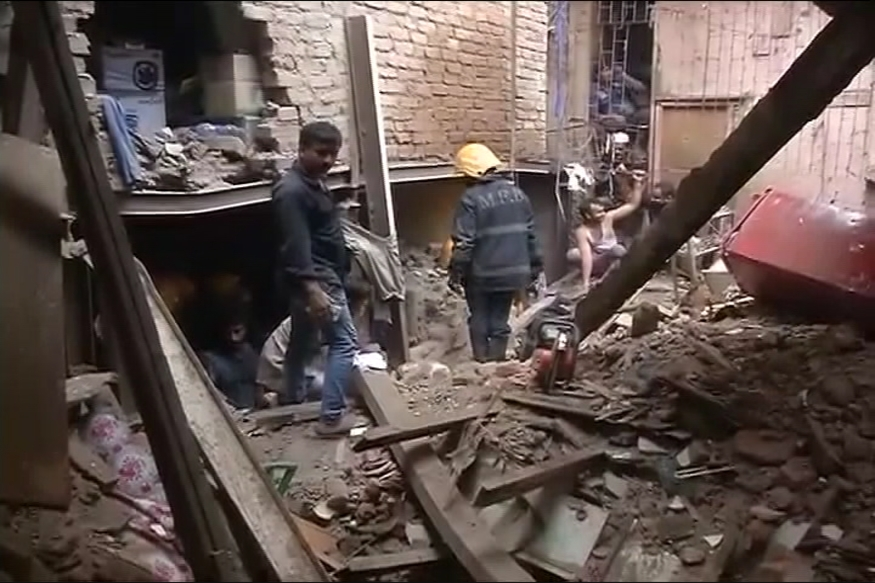 7 Dead, 40 Feared Trapped After 4-storey Building Collapses in Mumbai