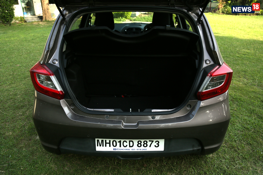 Tata-Tiago-Boot-Space