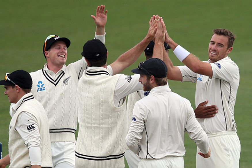 Tim Southee celebrates with his teammates in Hamilton. (Getty Images)