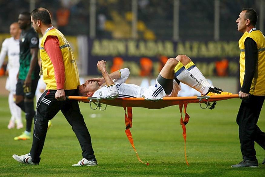 Robin Van Persie Injured his eye on Sunday in Turkish League. (Getty Images)
