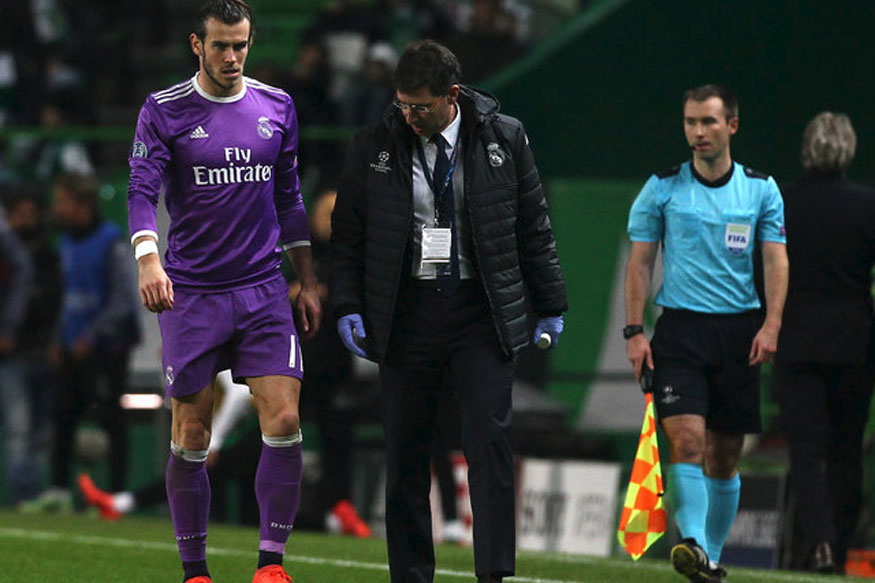 Real Madrid's Gareth Bale walking off the pitch after getting injured against Sporting Lisbon during a UEFA Champions League clash (Photo Courtesy: Reuters)