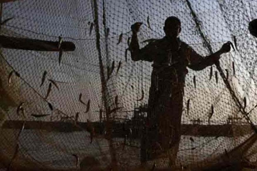 Pakistan Apprehends over 100 Indian Fishermen off Gujarat Coast