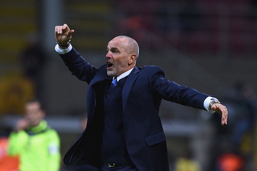 Inter Milan coach Stefano Pioli reacts duringthe team's win over Fiorentina (Getty Images)