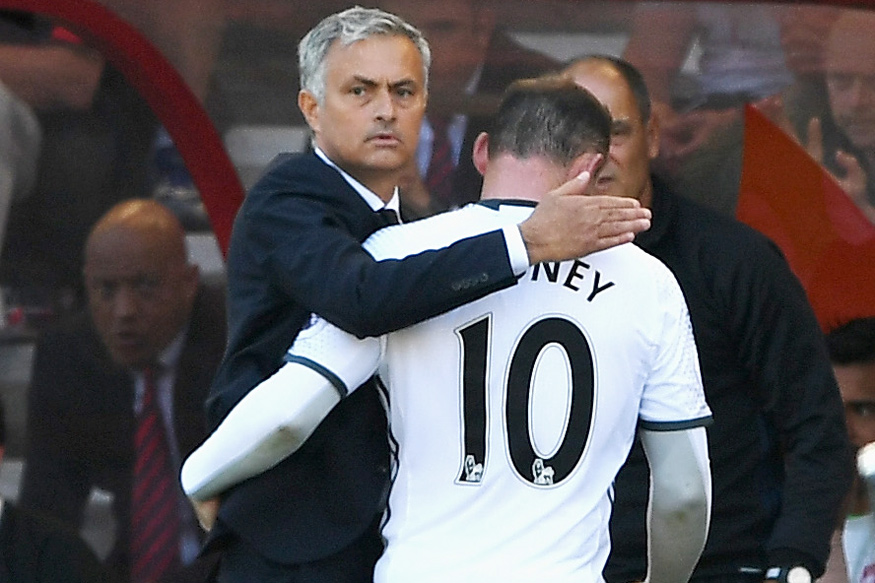 Wayne Rooney and Jose Mourinho. (Getty Images)