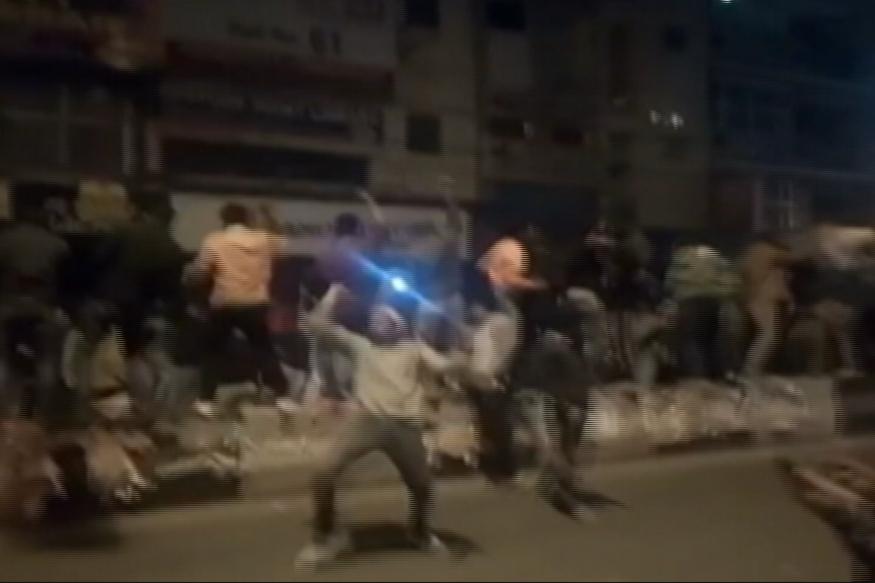 NYE Shame: Drunk Mob in Delhi Molests Woman, Attacks Cops