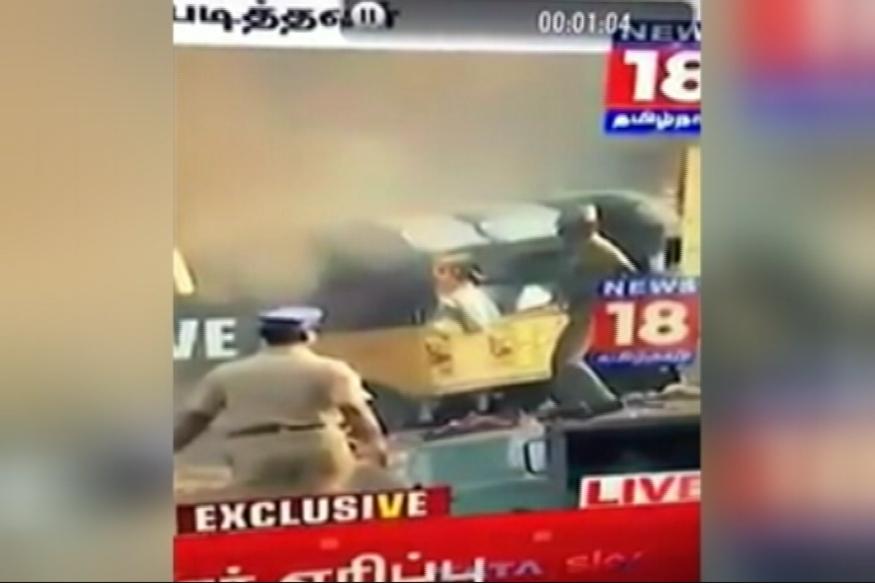Jallikattu: Chennai Police Under Fire as Video Shows Cop Setting Auto Ablaze