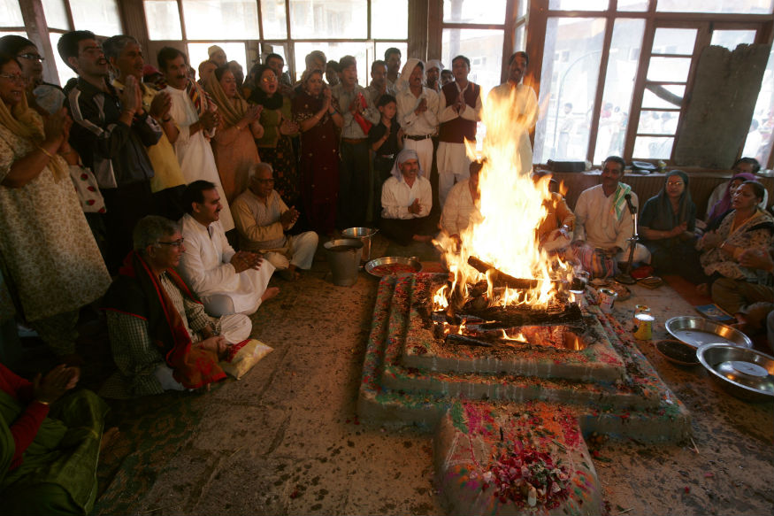 Bringing back the Dead: How does Govt Plan to Resettle Kashmiri Pandits?