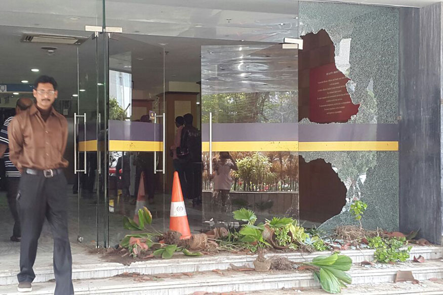 Kolkata: Calcutta Medical Research Institute vandalised after patient's death