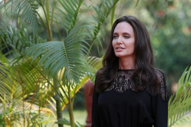 News7 Tamil jolie-3-750x500 Angelina Jolie Makes Her First Public Look After Submitting for Divorce Movies