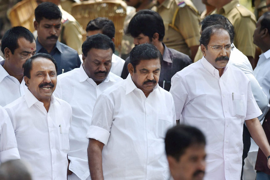 Sasikala Faction Says TN Govt will be Dissolved Over 'Corruption Charges' Against Ministers