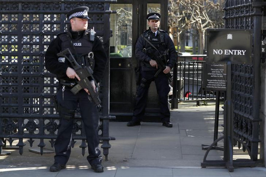 London's Oxford Circus Station Evacuated; Armed Police on Scene