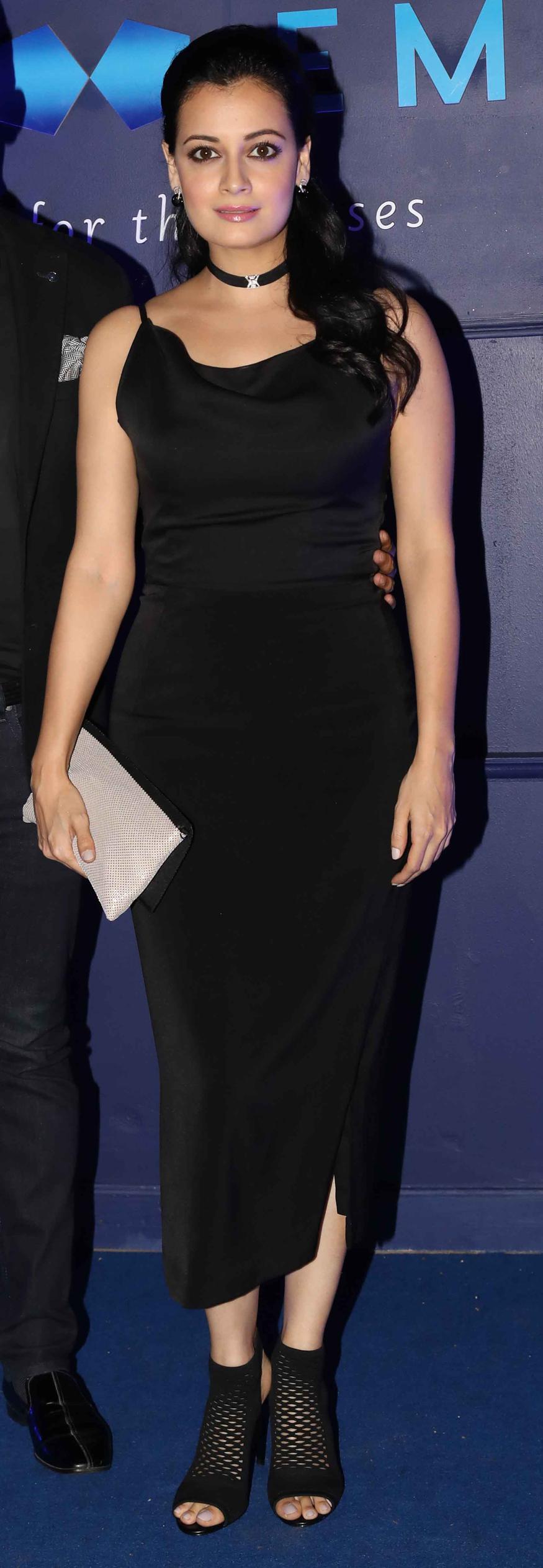 Worst Dressed Celebrities Of 2013: Pics - Boldsky.com