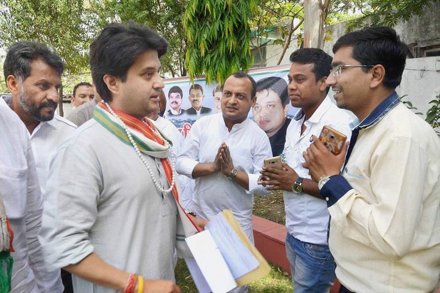 Madhya Pradesh Bypolls: Yashodhara Raje, Nephew Jyotiraditya Hit Hustings