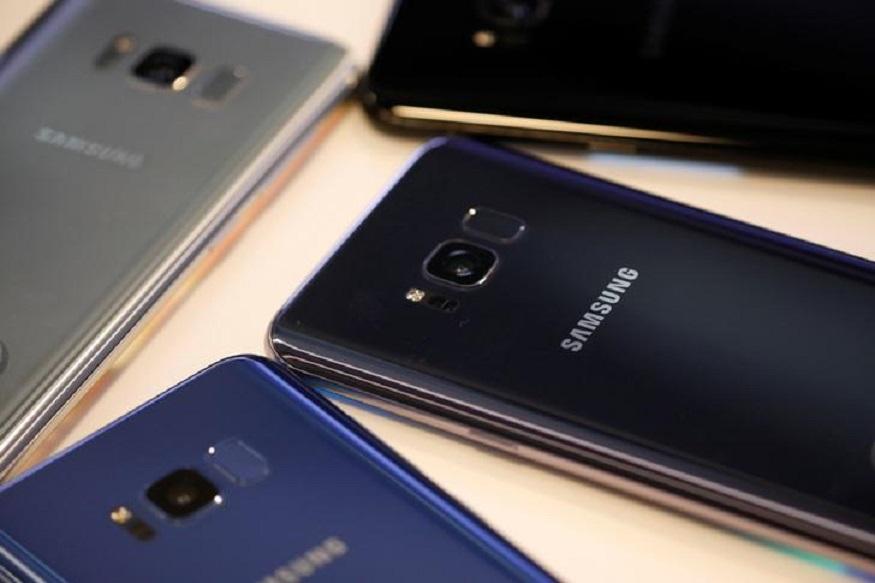 Image result for Flipkart Big Billion Days Sale: Top 25 Offers on Samsung, Moto, LG, Vivo, Xiaomi Smartphones And More