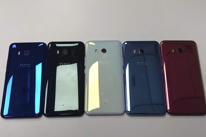 HTC U11 First Impressions Review: Squeezes Itself in the Samsung Galaxy S8 Space