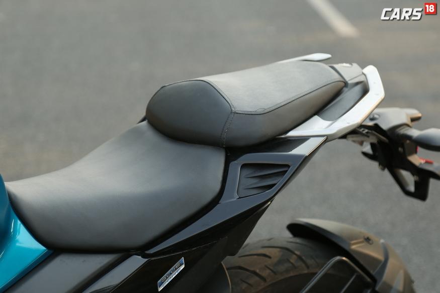 Yamaha FZ25 split seats. (Image: Siddharth Safya/News18.com)