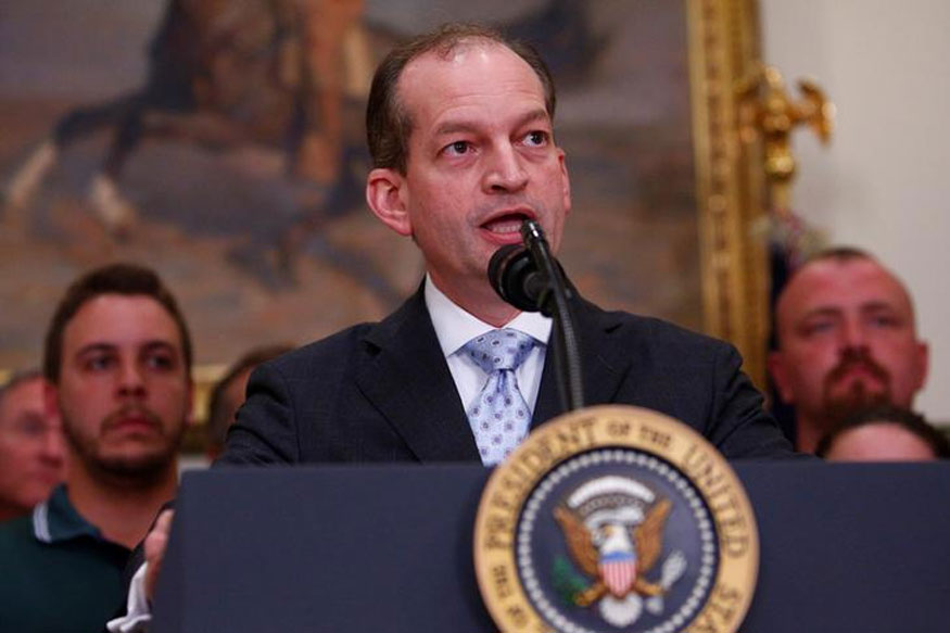 US Labour Secretary Wants $20,000 hike in Minimum Salary of H-1B Visa Holders