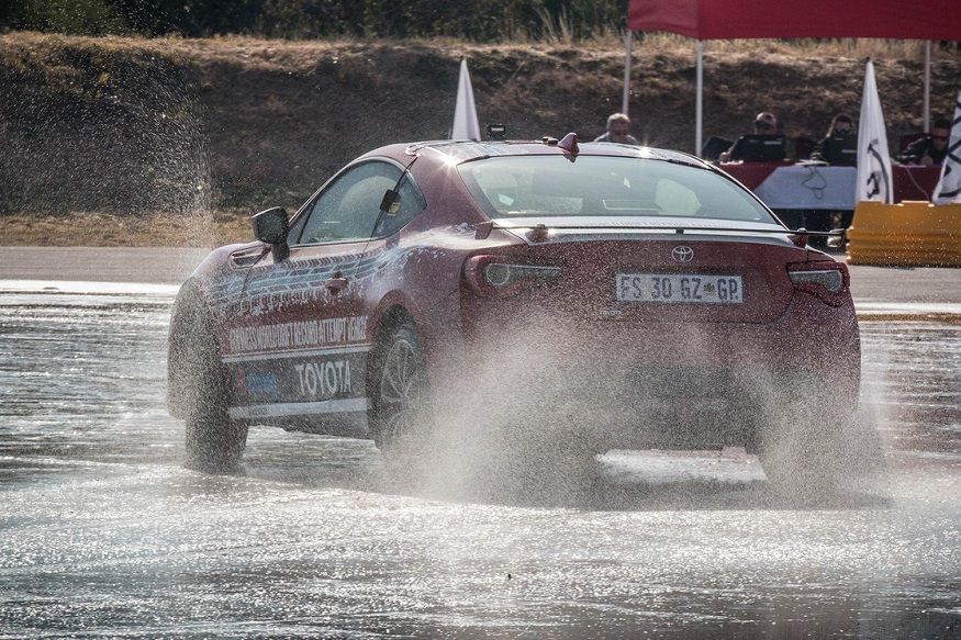 Toyota GT86 Drift World Record of 168 km. (Image: Toyota)