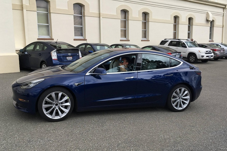 Tesla Mode 3 in blue shade.  (Image: inamachineshop)