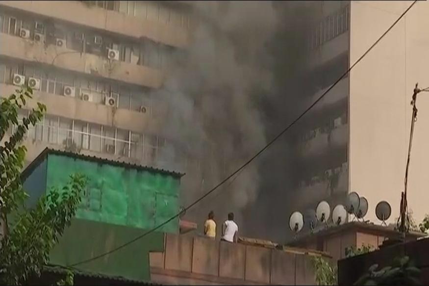 Major Fire Breaks Out at Lok Nayak Bhawan Near Khan Market in Delhi