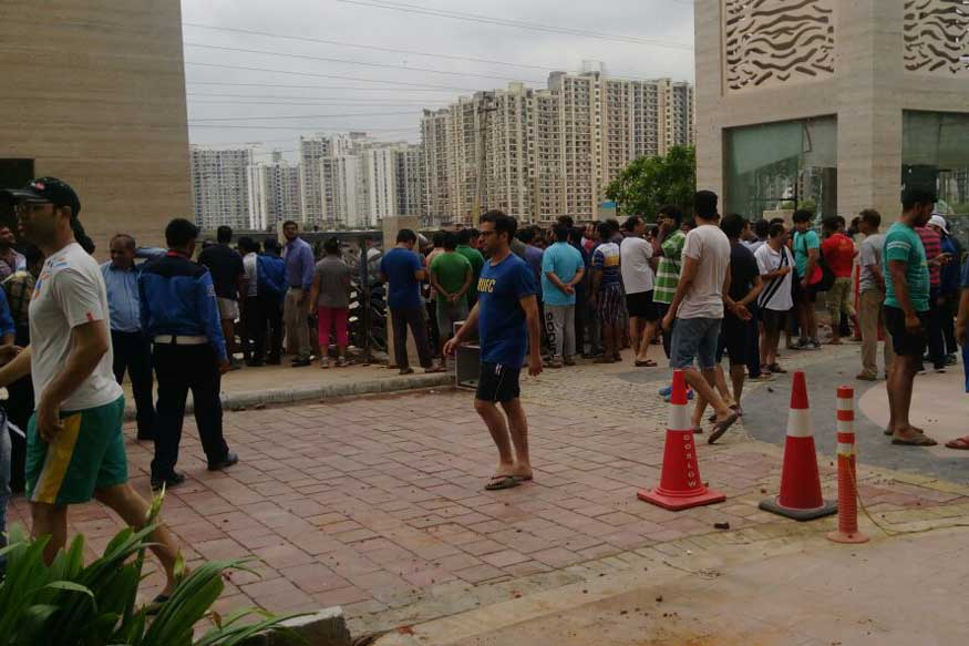 13 held for rioting after maids attack housing society