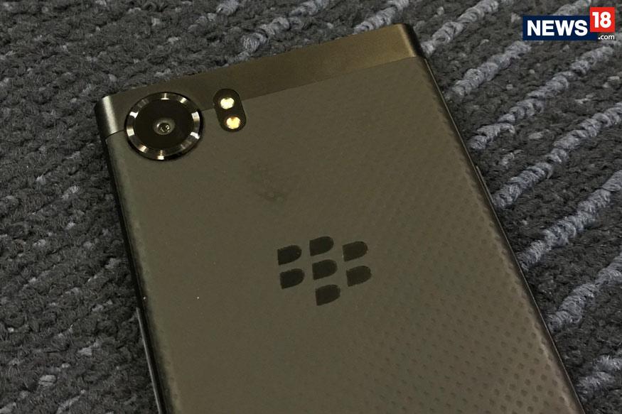 BlackBerry-KEYone-4