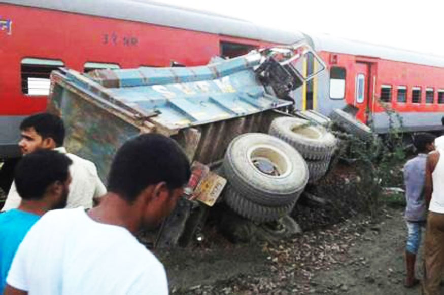 At Least 70 Injured as Kaifiyat Express Derails in UP's Auraiya
