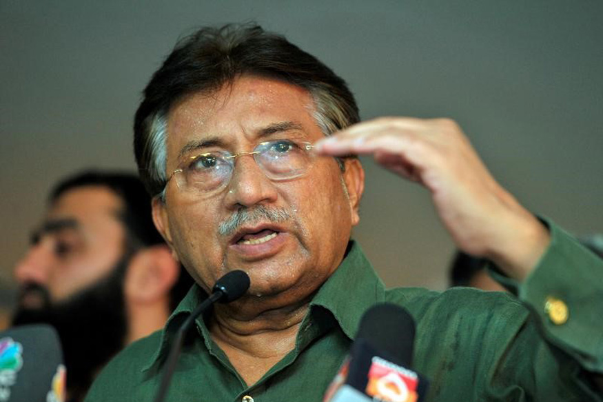 On Benazir Bhutto Assassination, Musharraf Points to Asif Ali Zardari