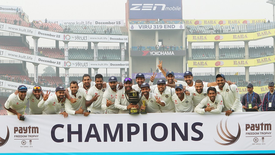 India are crowned series champions during day five of the 4th Freedom Trophy Series Test Match between India and South Africa held at the Feroz Shah Kotla Stadium in Delhi. (Getty Images)