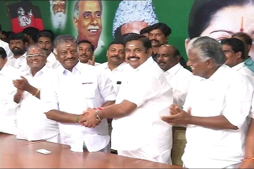 AIADMK Live: EPS and OPS Announce Merger, Sasikala May be Expelled