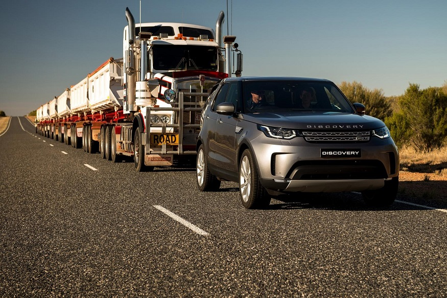 2018 land rover discovery sport. brilliant 2018 watch video 2018 land rover discovery sport tow 110tonne road train   news18 throughout land rover discovery sport