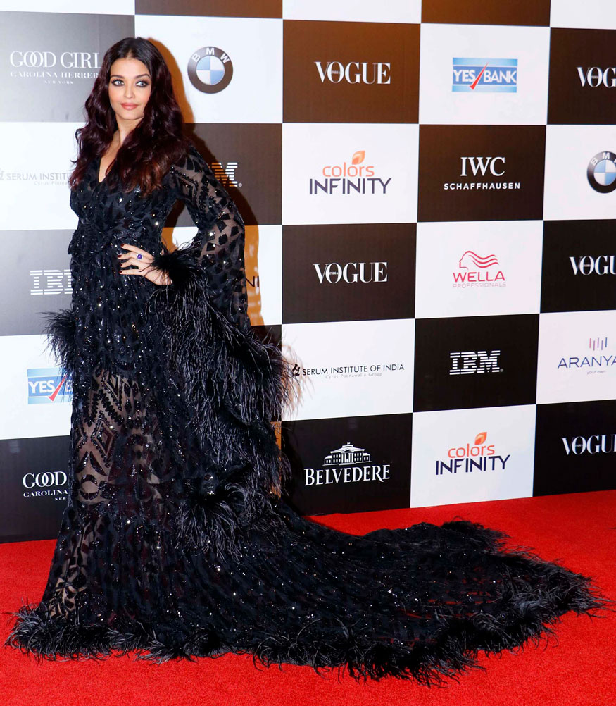 Aishwarya Rai Bachchan attends the 'Vogue Women of the Year Awards 2017' at Grand Hyatt Hotel On Sunday, September 24, 2017 in Mumbai. (Image: Yogen Shah)