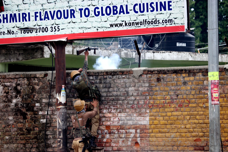 Kashmir police firing