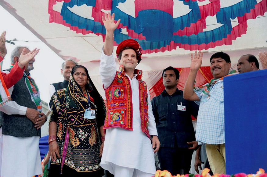 Rahul Gandhi Banking on Old Guard Before Elevation as Congress President