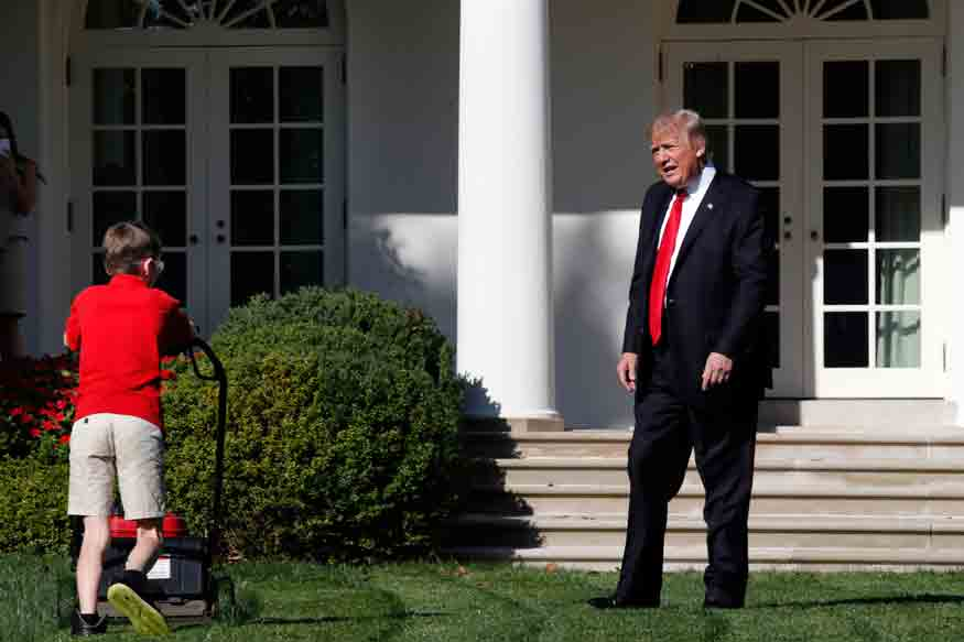 Trump-Lawn-Mowing-Boy_Acco-(1)