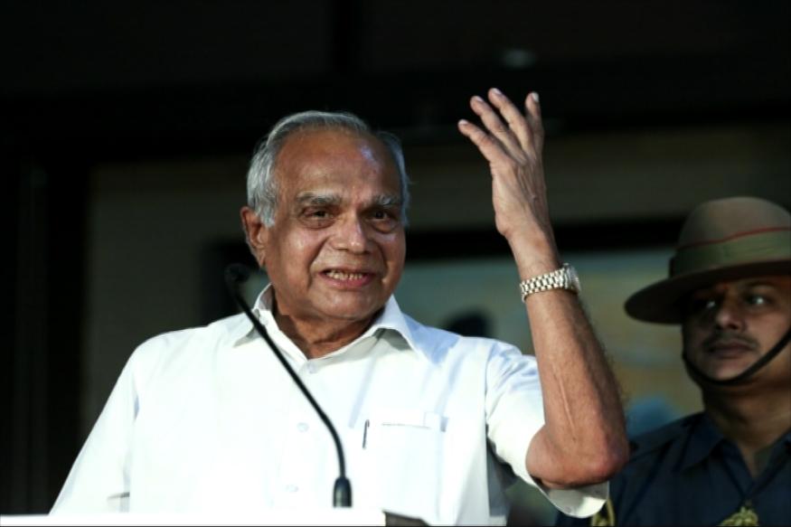 Tamilnadu governor entered Bathroom as a lady panics and runs out