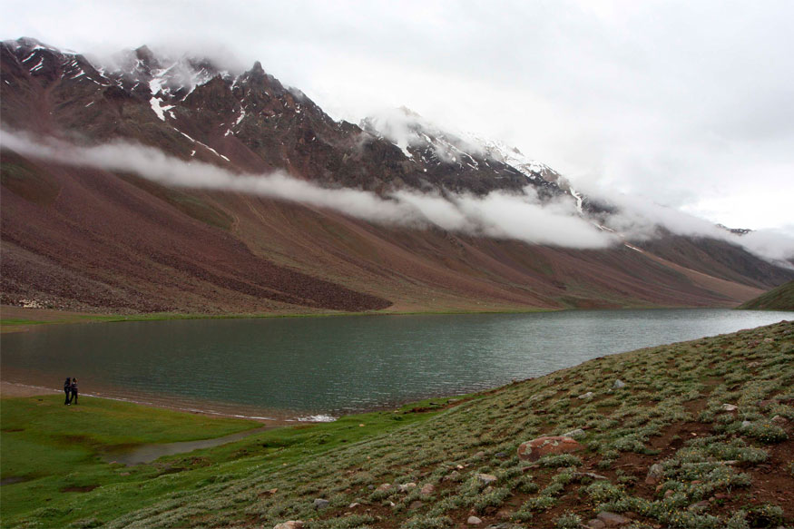 Himachal Pradesh: Other than Mountains, these Beautiful Lakes are a Must-visit too!