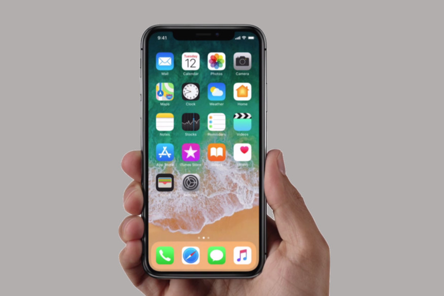 Apple iPhone X First Look: Check Out Apple's 10th Anniversary Bezel-less Beauty
