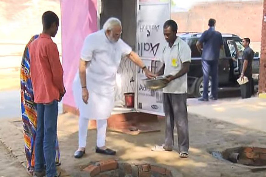 Modi in Varanasi Day 2 LIVE: PM Launches Cattle Health, Sanitation Drives in Shahanshahpur